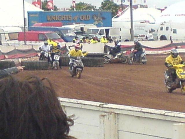 100 lap moped race